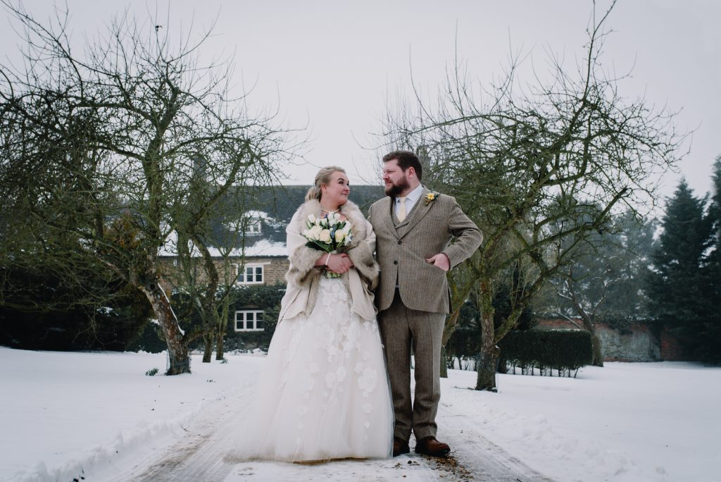 dodmoor-house-wedding-winter-snow-214