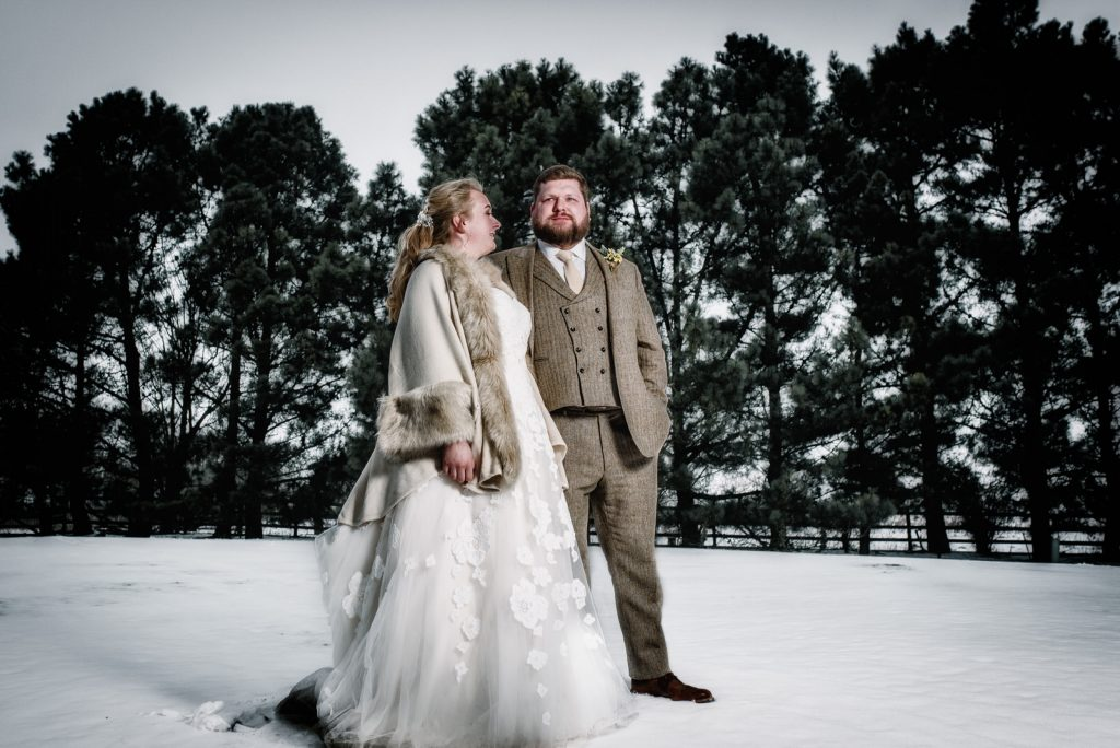 dodmoor-house-wedding-winter-snow-333