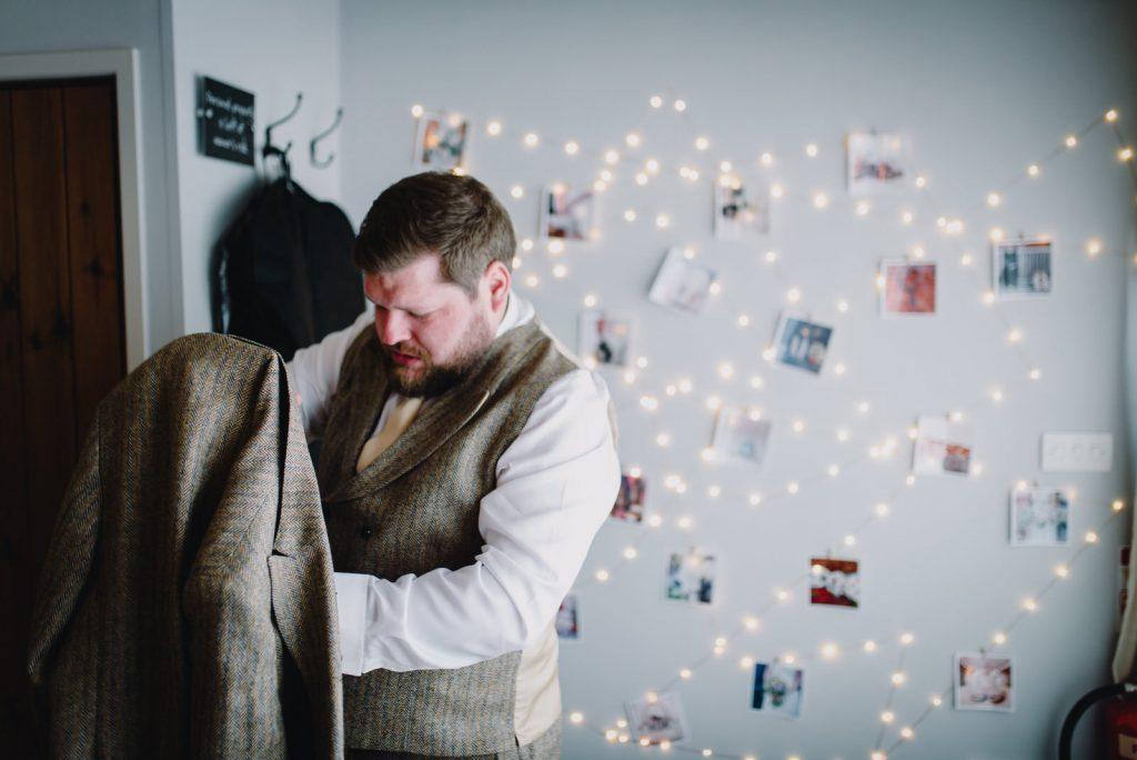dodmoor-house-wedding-winter-snow-52