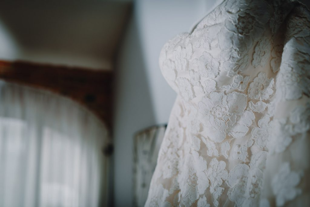 dodmoor-house-wedding-winter-snow-69