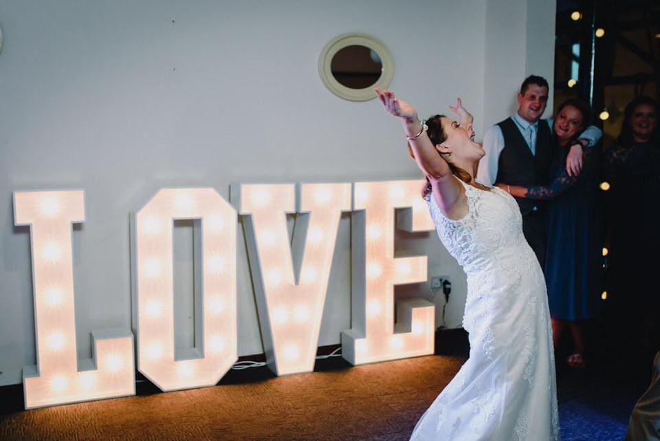 dance-floor-wedding-photographer5