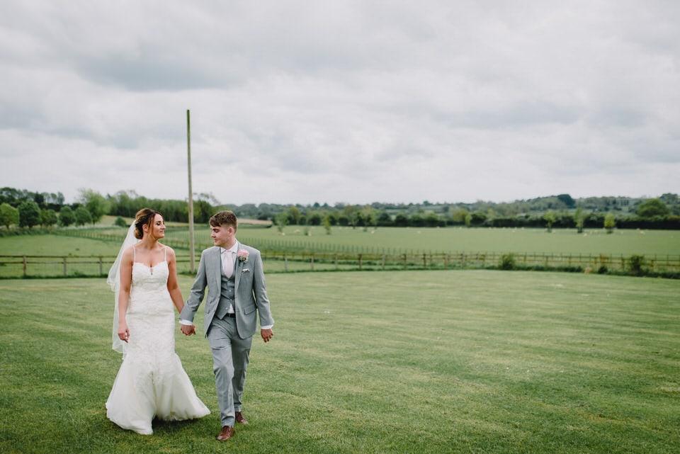 Mix up a gorgeous couple with a stunning venue... et voila!